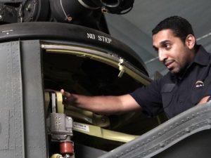 شركة جلوبال أيرواسبيس لوجيستكس، ومقرها أبوظبي، توظف مديرين وفنيين ومدربين في مجال الصيانة الجوية لإدارة عمليات صيانة الطائرات وضمان تدفق منسق وسلس للعمليات في جميع مستويات الصيانة. (صورة: جلوبال أيرواسبيس لوجيستكس)