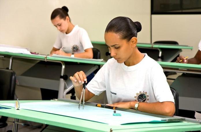 16724539241 58f34d2668 c - Presença feminina na Força Aérea Brasileira
