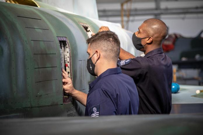 201106WIL600 Wilhan Campos - Exercício Operacional Tínia treina diversas atividades além do combate aéreo