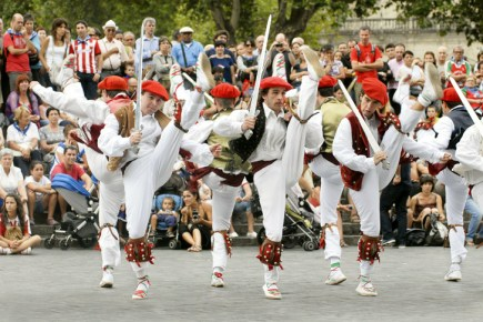 Basque dancers in Bilbao's Semana Grande