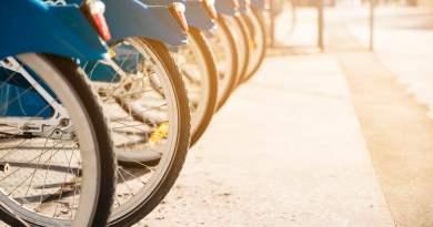 Dubbellaags fietsenrek van Klaver Fietsparkeren