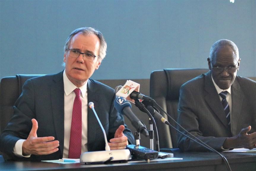 L'Eau en crise(s) « Interview exclusive de Abdoulaye Sene et Patrick Lavarde, coprésidents du Forum Mondial de l'Eau de Dakar 2021 ».