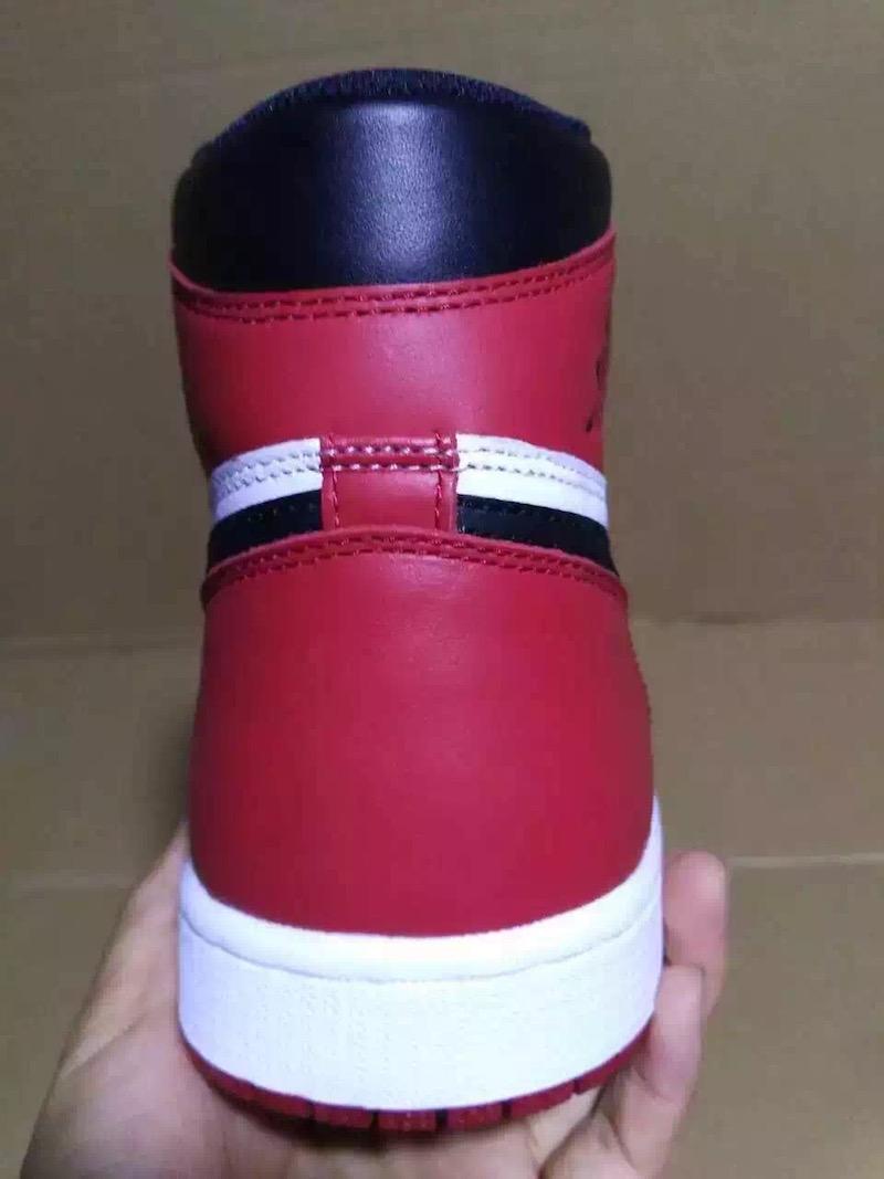 Air Jordan 1 Retro High OG Black Toe 3