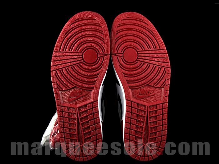 Air Jordan 1 Retro High OG Black Toe 11