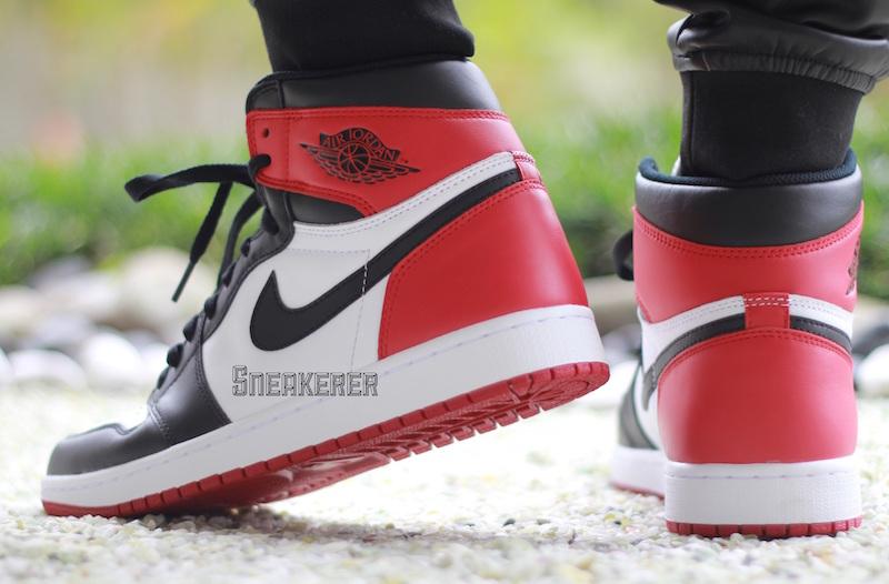 Air Jordan 1 Retro High OG Black Toe 4