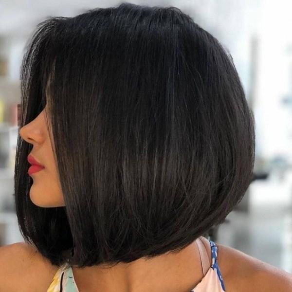 Corte de cabelo redondo médio