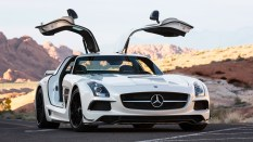 Supercars are all extremely fast these days, but development in wind tunnels and on tracks is leading to a lot of them to end up looking similarly. The Mercedes-Benz SLS AMG, on the other hand, bucked the trend. It was designed to echo the famous 300SL Gullwing — complete with gullwing doors. Even though it's finished production now and has been replaced with the Mercedes-AMG GT, the SLS AMG still looks amazing and as fresh as the day it rolled off the assembly line.