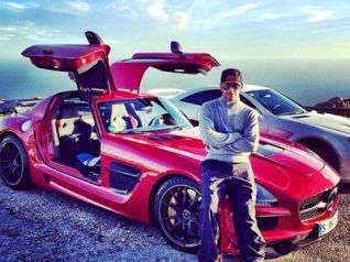 As Lewis drives for Mercedes it makes sense that he has at least one or two Mercedes vehicles in his personal fleet. He has a red SLS AMG black and a silver SL 65 AMG Black series. The SLS has 622hp at 7400rpm, has a top speed of 196mph and can reach 0-60mph time of 3.5 seconds.