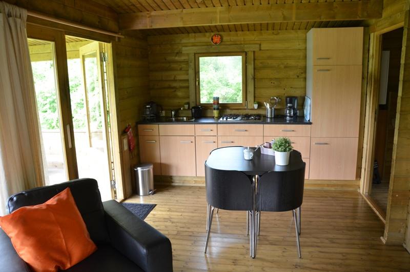 Slaapkamer In Tuinhuis : Indeling blokhut naturistencamping de groenlanden drenthe