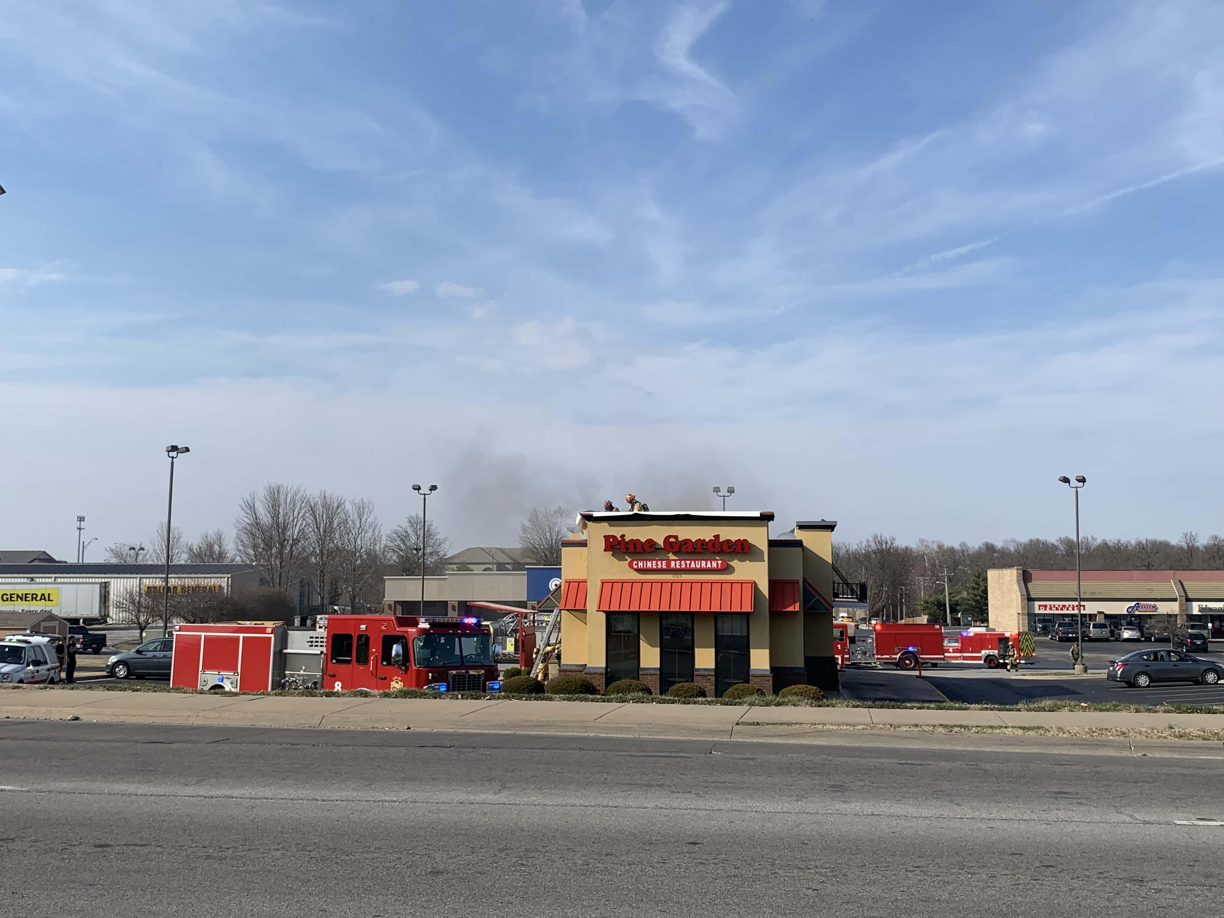 Cracker Barrel Restaurant Building