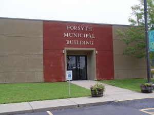 Forsyth City Hall (file photo)