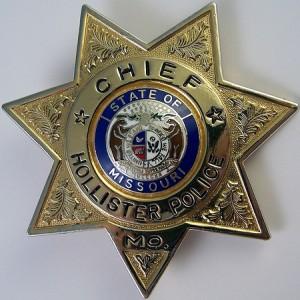 Hollister-police-badge