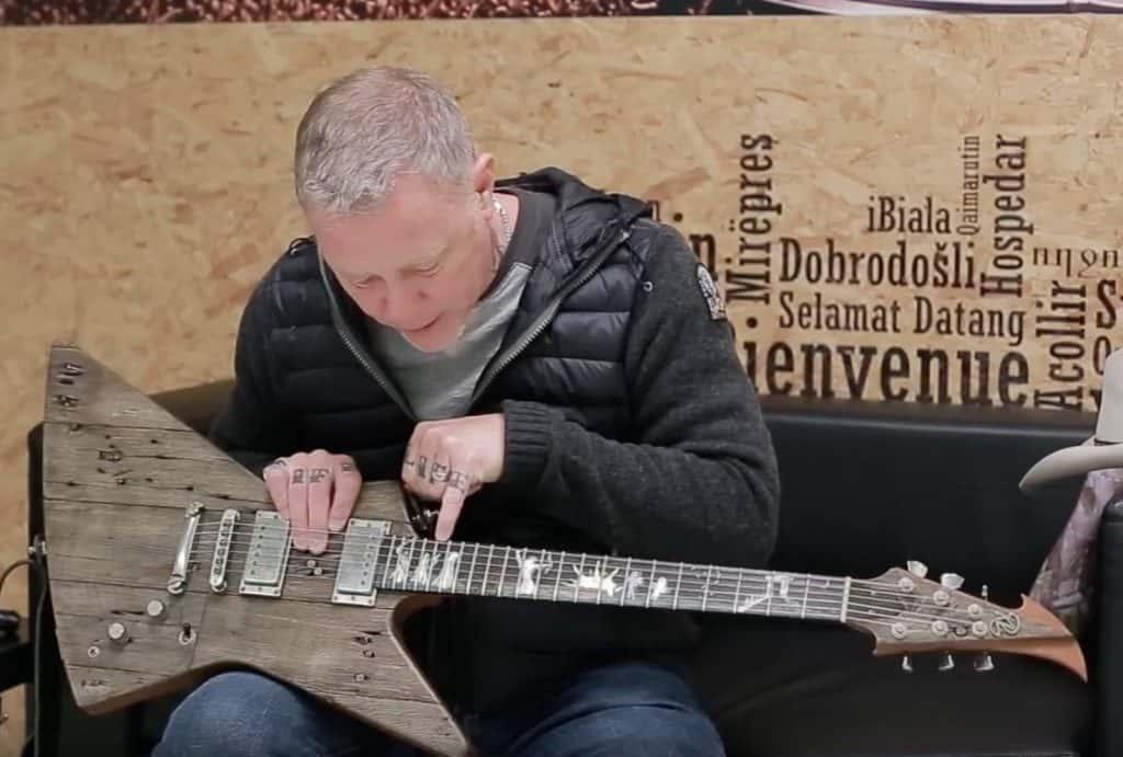 Meet James Hetfields Guitar Carl KOMP 923FM