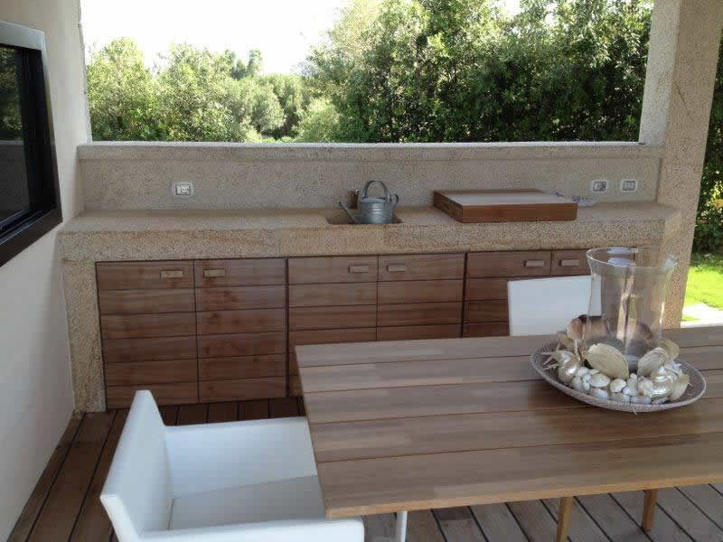 Custom-made Outdoor Kitchen In San Giacomo Yellow Granite