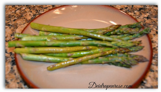 Deidra Penrose, roasted asparagus with balsamic vinegar, clean eating recipes, healthy side dish recipes, healthy mom recipes, 21 day fix extreme recipes, 21 day fix recipe, NPC figure meal prep, NPC figure competitor, top fitness coach harrisburg pa, top team beachbody coach harrisburg, top fitness coach chambersburg pa, forever fit, successful beachbody coach, weight loss journey, health weight loss recipes, healthy veggie recipes, fitness accountability