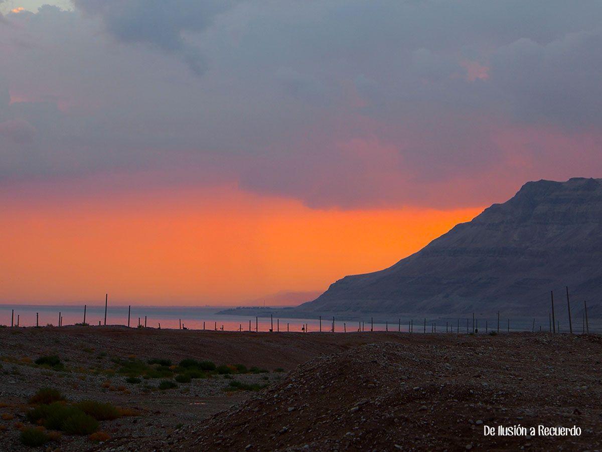 Atardecer en el Mar Muerto de Israel