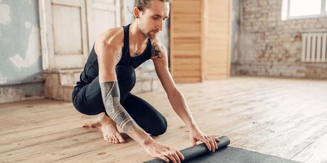 Einfaches Ganzkörper-Yoga-Training für Männer