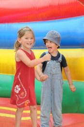 Huepfburg kaufen Kinder springen
