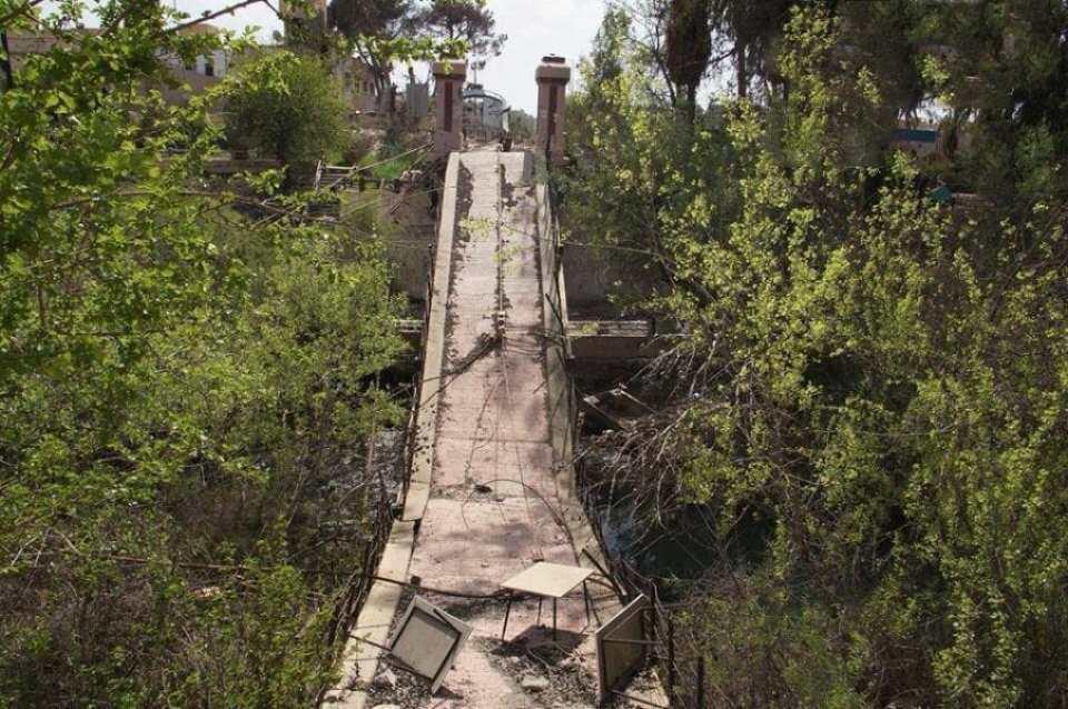 اثار-الدمار-في-جسور-دير-الزور