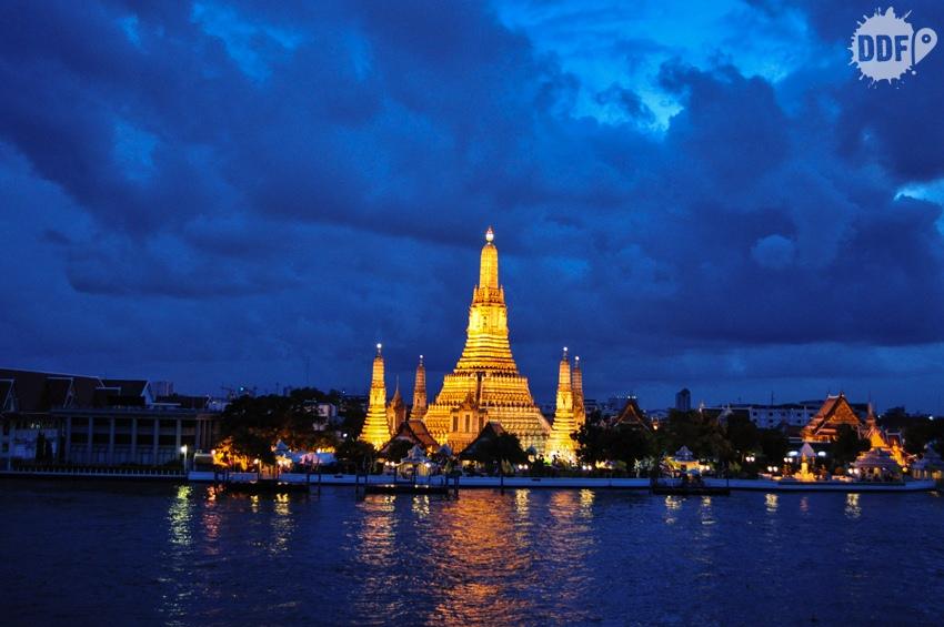wat arun, noite, vista, templo, bangkok, tailandia, amorosa