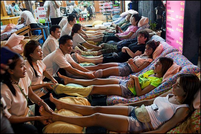 Massage-des-pieds-à-Khao-San-Road-www.delsoko.fr