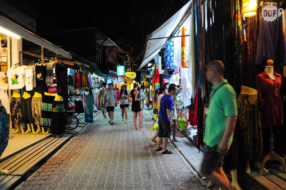 Pequenas ruas de Koh Phi Phi