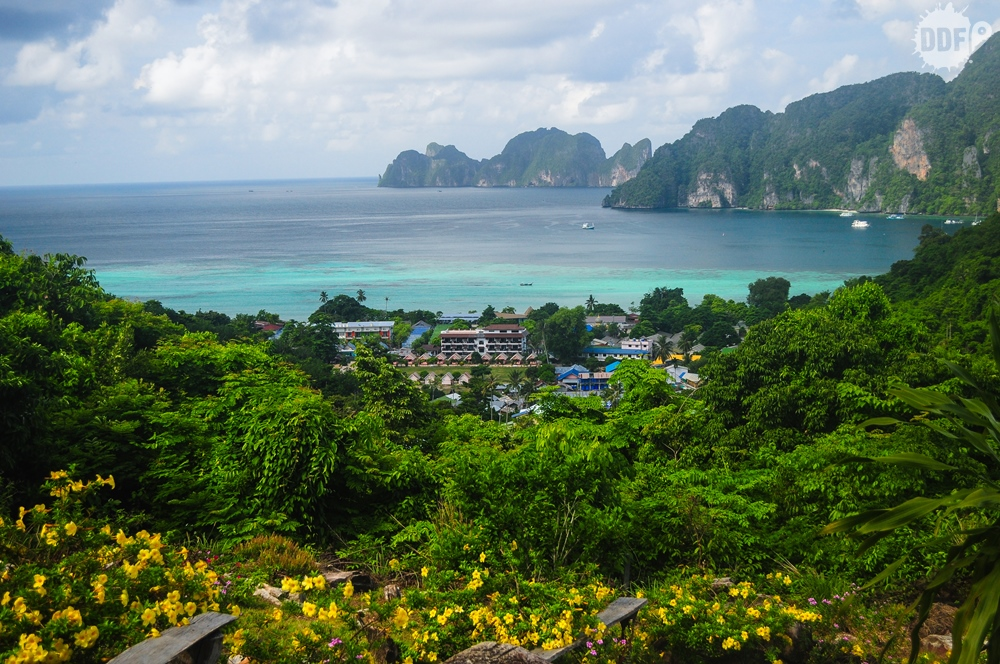 Koh-Phi-Phi-view-point-maya-bay