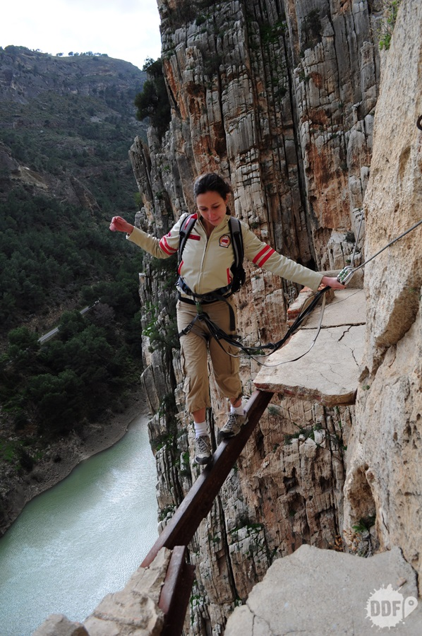 el-caminito-del-rey-malaga-espanha-trilha-perigosa-mundo-aventura-passeio-viagem-equilibrio-ferro