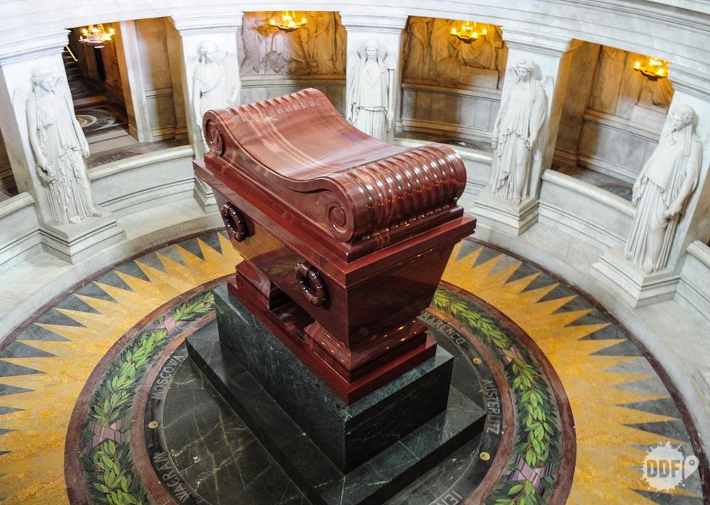 paris-invalidos-hotel-palacio-tumulo-napoleao-cripta-franca