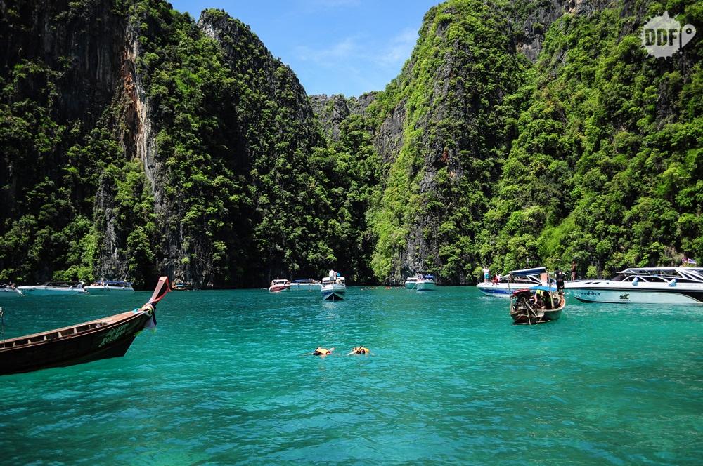 viagem-casal-viajando-namorado-namorada-marido-esposa-tailandia