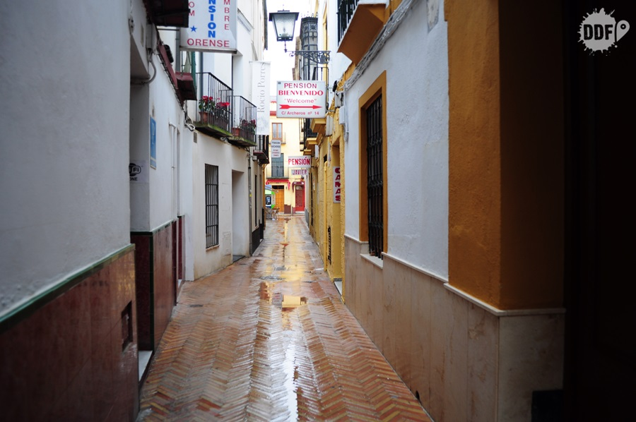 sevilha-hotel-hospedagem-barata-centro-ruas-becos-ruas