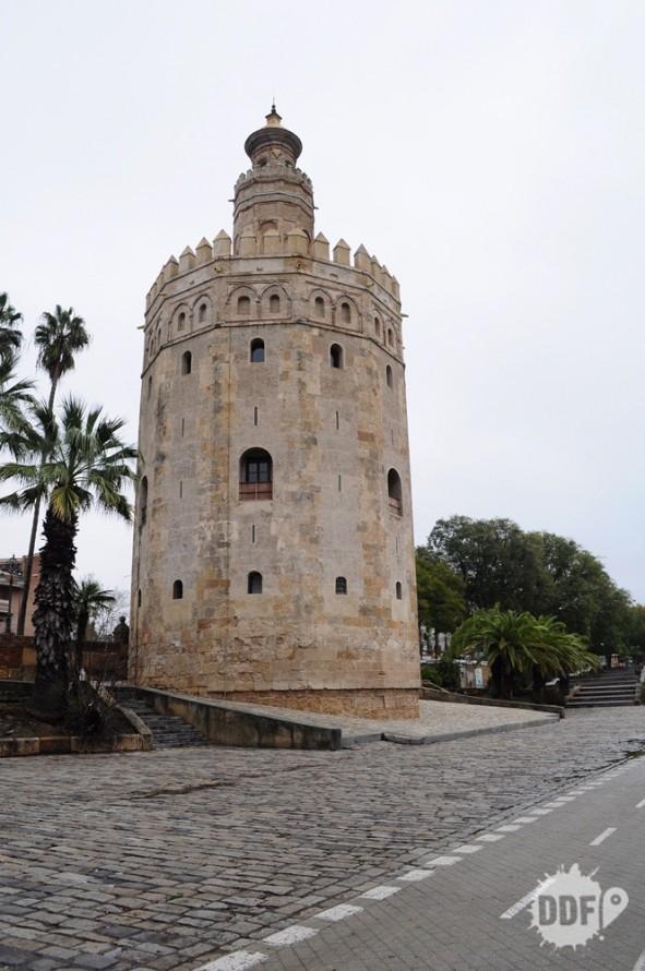 sevilha-torre-del-oro-navegaçoes-museu-viagem-trip-espanha-europa