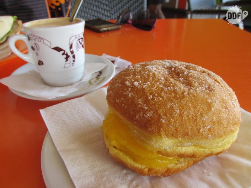 comida portuguesa viagem ferias algarve portugal europa doces cafe da manha bolas de berlim sonho