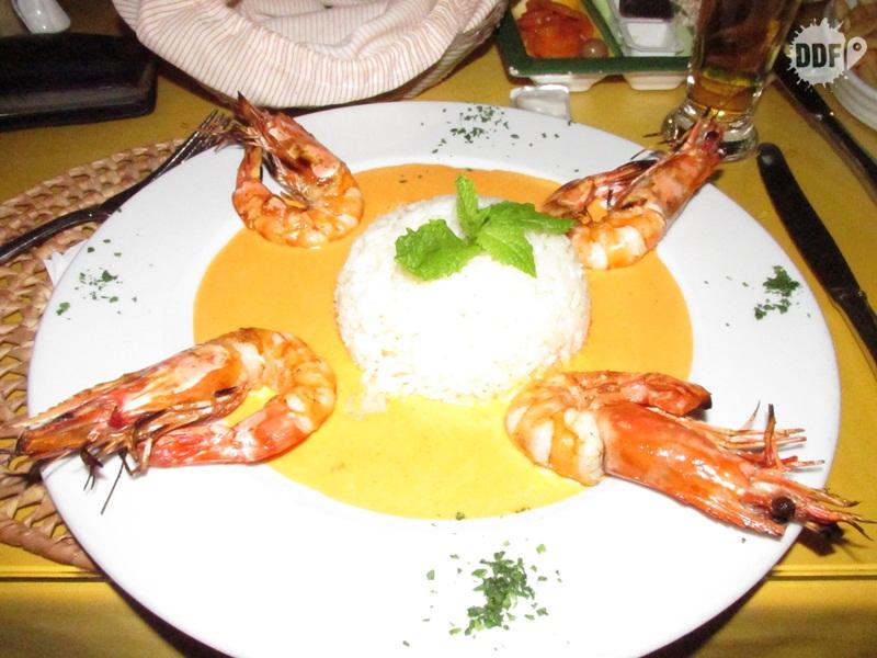 comida portuguesa viagem ferias algarve portugal europa prato frutos do mar camarao