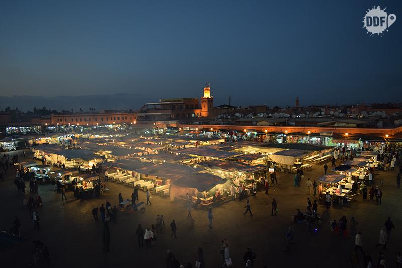 Praça Jemma el-Fna Medina comércio compras restaurantes viagem férias marrakech marrocos africa