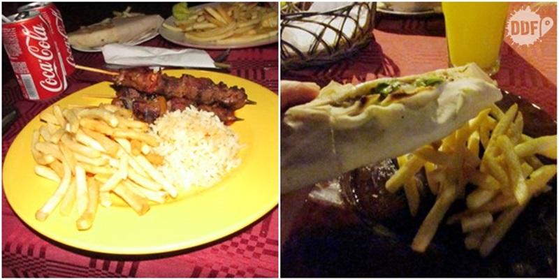 comida marroquina shawarma espetinho fritas viagem