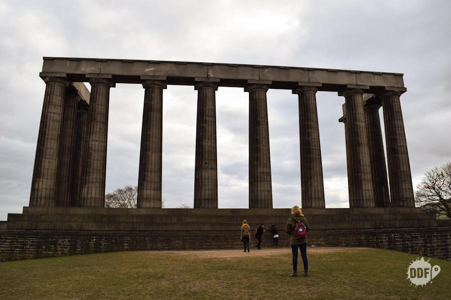 edimburgo walking tour caminhada cidade pontos turisticos escocia national monument of scotland calton hill