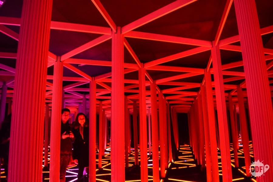 Edimburgo-o-que-vale-a-pena-fazer-camera-obscura-world-of-illusions-sala-espelhos-caminhos-infinitos