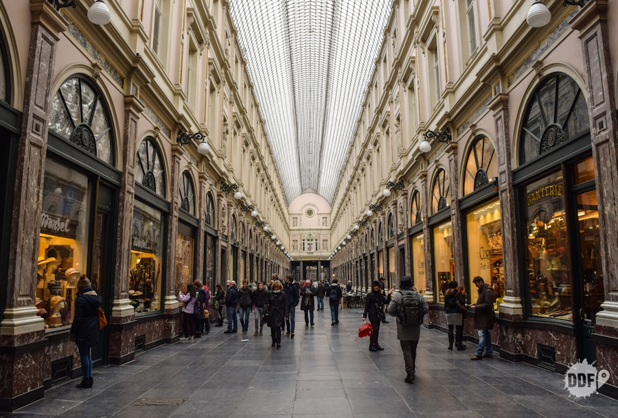belgica-bruxelas-galerias-reais-saint-hubert-turismo-viagem-europa-compras