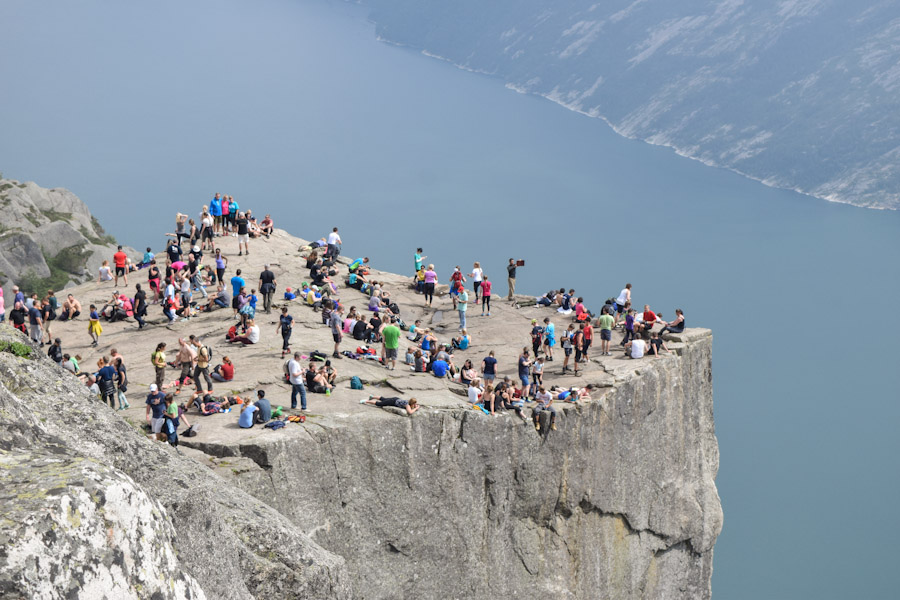 Pulpit Rock ou Preikestolen a pedra do pulpito na noruega 7