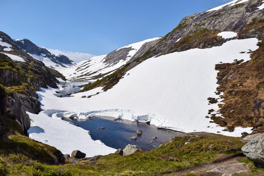 Trilha para a pedra Kjeragbolten na noruega 3