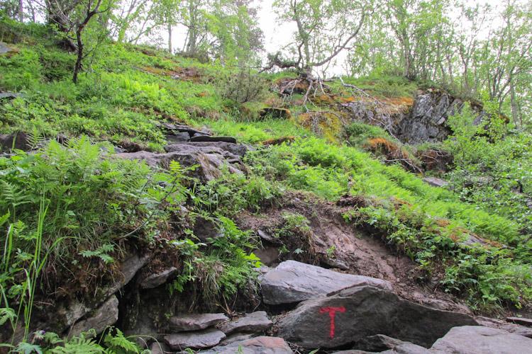 Trilha para a Trolltunga na Noruega