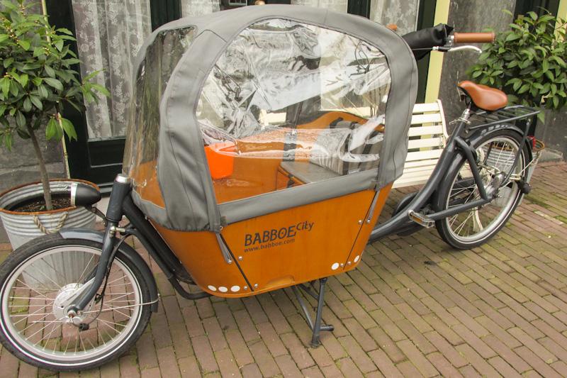 vondelpark amsterdam parque bicicleta baú para crianças holanda europa