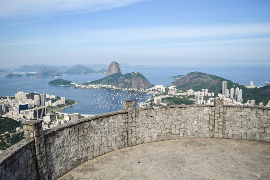 Mirante dona marta no Rio de Janeiro - Vista para o pao de acucar - com oe o local