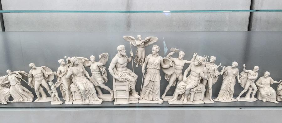 atenas museu acropole disputa atena poseidon escultura pathernon grecia viagem ferias