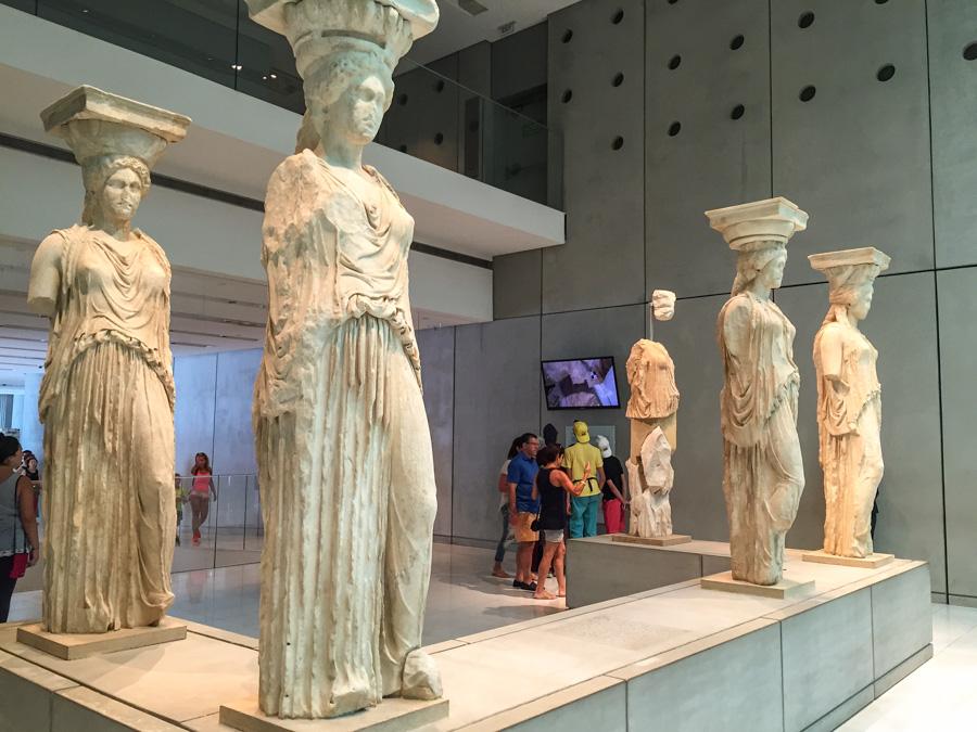 roteiro de 2 ou 3 dias de viagem em Atenas Museu da Acrópole estátuas originais Templo Erecton