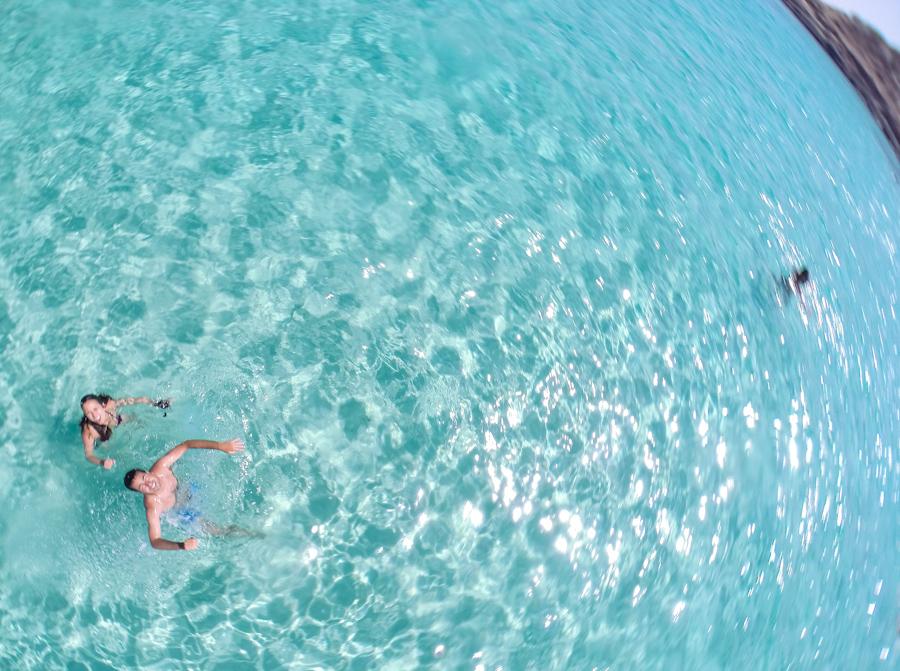 Blue lagoon em Comino na ilha de Malta casal gopro drone