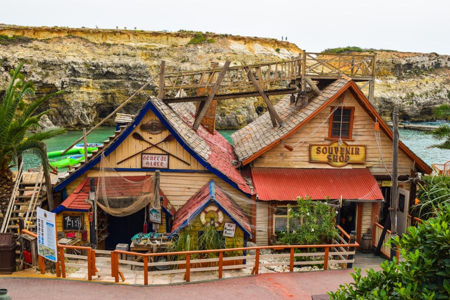 vila do popeye village malta casas de madeira