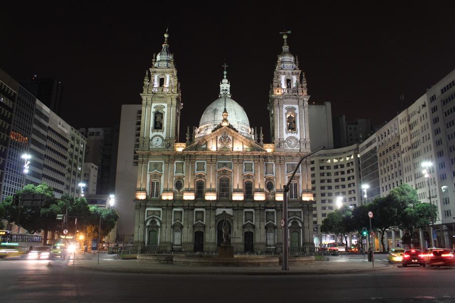 praca-maua-igreja-da-candelaria-centro-rio-de-janeiro-ponto-turistico