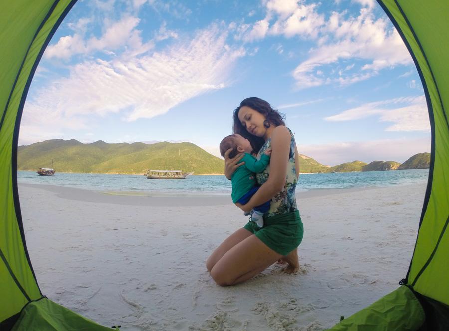 viajar com bebê para praia em Arraial do Cabo